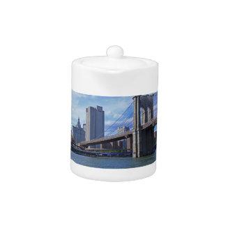 East River: Puente de Brooklyn y edificio