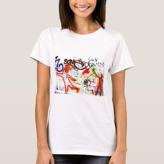 East Side Gallery, Berlin Wall, Graffiti (2) T-Shirt