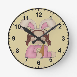 Easter Annie with Carrot Round Clock