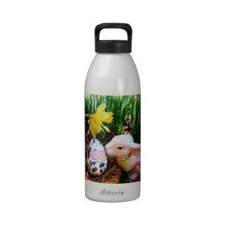Easter Bunny kissing Cow Egg Drinking Bottles