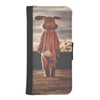Easter Bunny walking iPhone SE/5/5s Wallet