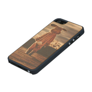Easter Bunny walking Carved® Maple iPhone 5 Case