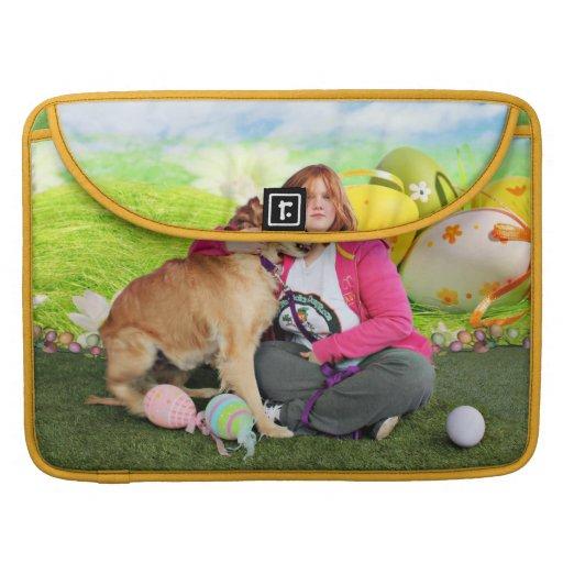 Easter - Golden Retriever - Sandy Sleeve For MacBooks
