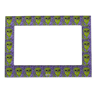 Easy Bein Green Magnetic Frame