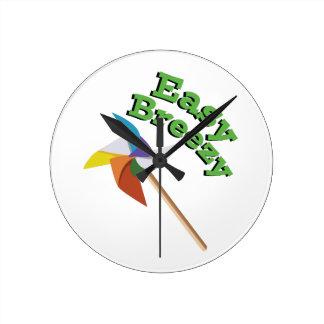 Easy Breezy Round Clock