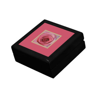 Easy Living Pink Rose giftbox Jewelry Box