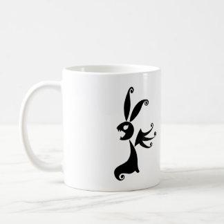 Ébano el conejo de la sombra taza clásica