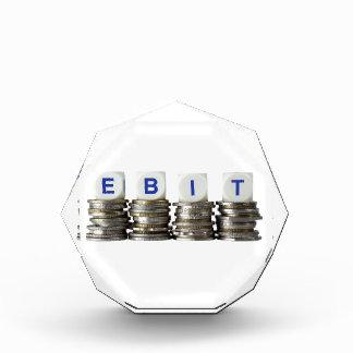 EBIT - Ganancias antes del interés y de impuestos