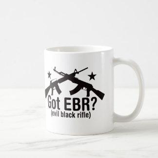 ¿EBR conseguido? AR15 y AK47 Taza Básica Blanca