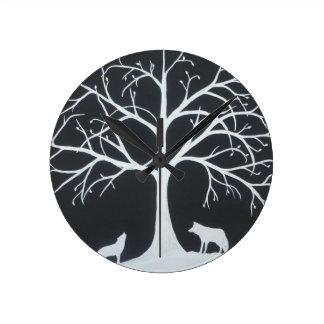 Eclipse del lobo reloj redondo mediano