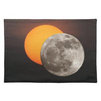 Eclipse Mantel