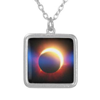 Eclipse solar collares personalizados