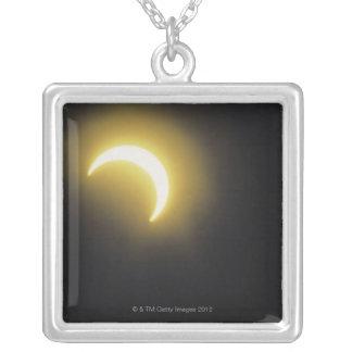 Eclipse solar grimpolas personalizadas
