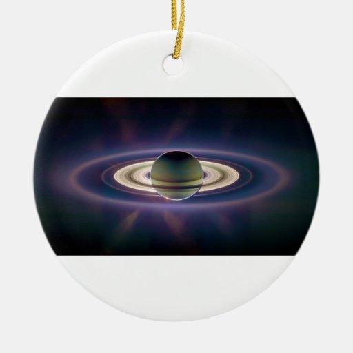 Eclipse solar de Saturn de la nave espacial de Adorno Navideño Redondo De Cerámica