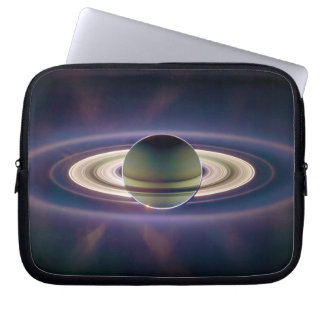 Eclipse solar de Saturn de la nave espacial de Cas Mangas Computadora