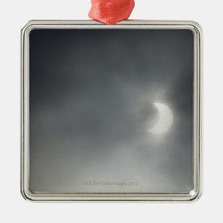 Eclipse solar parcial, cerca de Albstadt, suabio Adorno Navideño Cuadrado De Metal