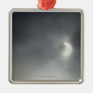 Eclipse solar parcial, cerca de Albstadt, suabio Adorno Cuadrado Plateado