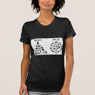 Eco contra ego camiseta