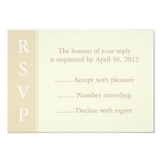Ecru o tarjeta de la crema RSVP, de la Invitacion Personal