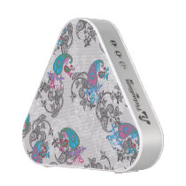 Ecru white traditional paisley floral pattern bluetooth speaker