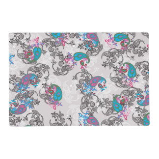 Ecru white traditional paisley floral pattern placemat