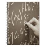Ecuaciones de la matemáticas de la impresión del libreta espiral