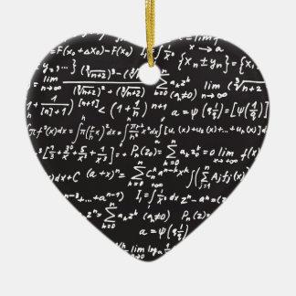 Ecuaciones de la matemáticas de la pizarra adorno de cerámica en forma de corazón