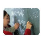 ecuaciones químicas de la escritura en la pizarra  imán