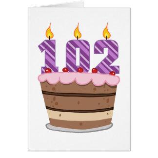 Edad 102 en la torta de cumpleaños tarjeta de felicitación