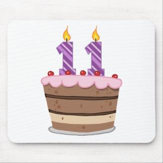 Edad 11 en la torta de cumpleaños mouse pads