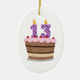 Edad 13 en la torta de cumpleaños ornatos