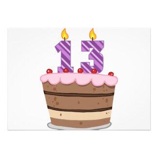 Edad 13 en la torta de cumpleaños comunicados personalizados