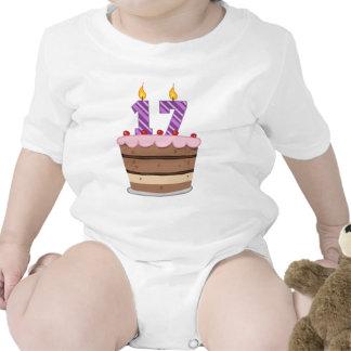 Edad 17 en la torta de cumpleaños camiseta