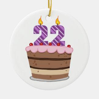 Edad 22 en la torta de cumpleaños adorno navideño redondo de cerámica