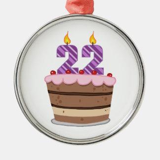 Edad 22 en la torta de cumpleaños adorno navideño redondo de metal