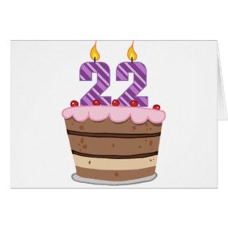 Edad 22 en la torta de cumpleaños tarjeta de felicitación