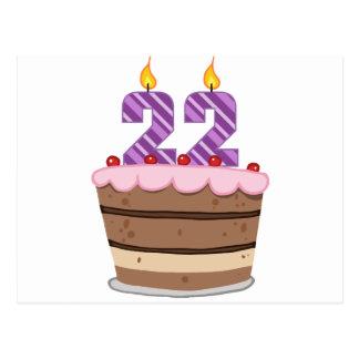 Edad 22 en la torta de cumpleaños tarjeta postal