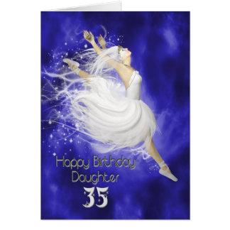 Edad 35 de la hija, saltando la tarjeta de