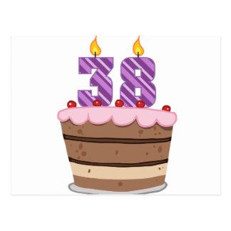 Edad 38 en la torta de cumpleaños postal