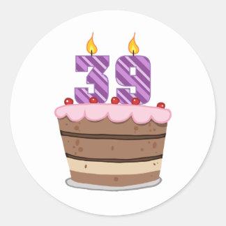 Edad 39 en la torta de cumpleaños pegatina redonda