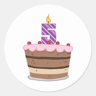 Edad 5 en la torta de cumpleaños pegatina redonda