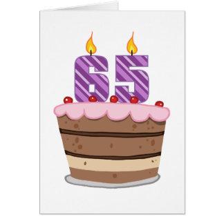 Edad 65 en la torta de cumpleaños felicitaciones