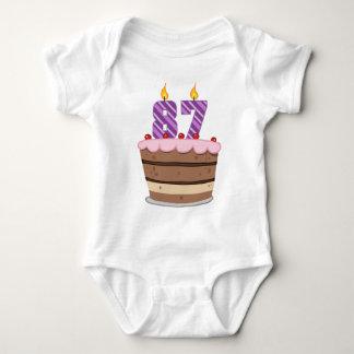 Edad 87 en la torta de cumpleaños mameluco de bebé