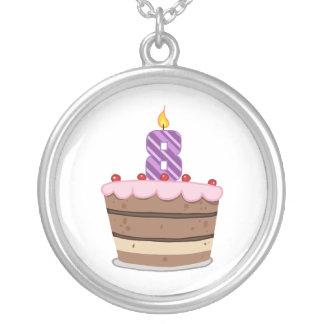 Edad 8 en la torta de cumpleaños colgante redondo