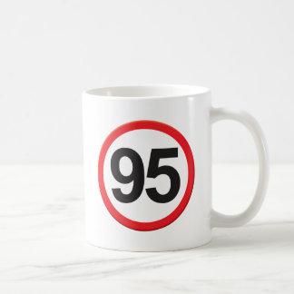 Edad 95 taza clásica