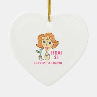 Edad mínima para consumir alcohol legal adorno navideño de cerámica en forma de corazón