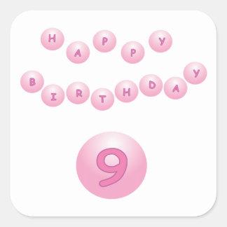 Edad rosada 9 de las bolas del cumpleaños calcomanías cuadradases
