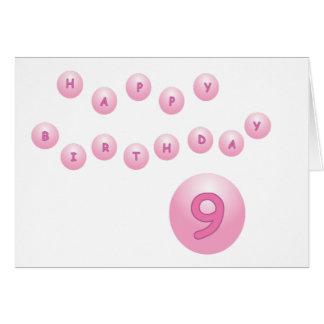 Edad rosada 9 de las bolas del cumpleaños felicitaciones