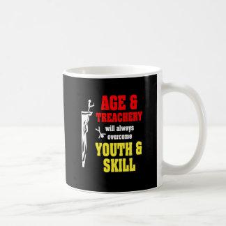 Edad y traición tazas de café