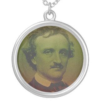 Edgar Allan Poe Collar Plateado